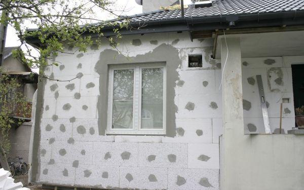 Jak ocieplić ściany zewnętrzne? Docieplenie domu murowanego