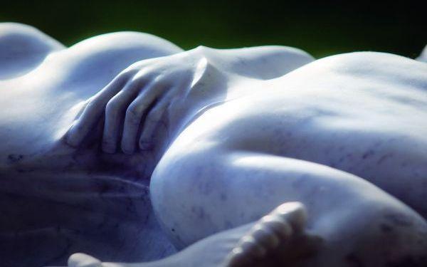 Sensualizm - rzeźba Ryszarda Piotrowskiego