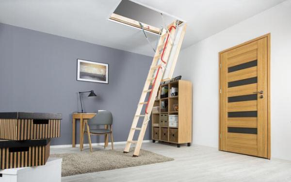 Lekkie i solidne drewniane schody strychowe