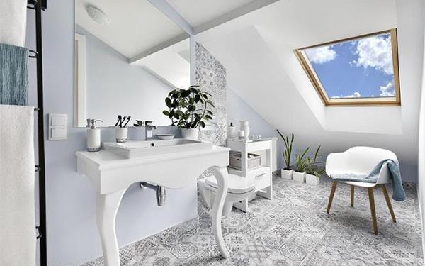 Łazienka na poddaszu piękna i funkcjonalna. Praktyczne porady